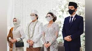 Tak Disangka, Jokowi Beri Hadiah `Batik` Untuk Pernikahan Atta dan Aurel